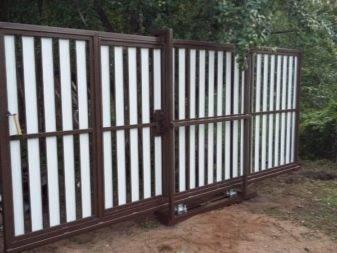 Установка откатных ворот на винтовых сваях