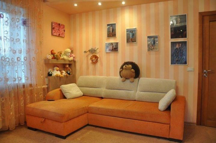 Баланс яркости и нежности в персиковых обоях: как сделать комнату теплой и уютной