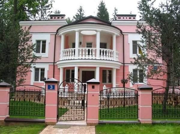 Красим оштукатуренный фасад : выбор краски и советы по работе