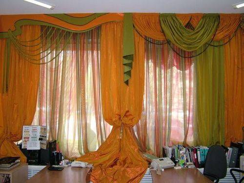 Двухцветные шторы в гостиную: интересные варианты и рекомендации по выбору