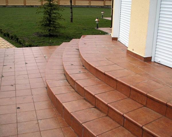 Клинкерные ступени для крыльца на улице: цена материала и работы