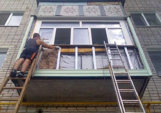 Обшивка балкона сайдингом снаружи своими руками: пошаговая инструкция отделки (видео, фото)