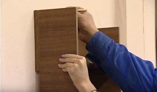 Крепление столешницы к стене:  2 способа, как прикрепить, с ножками и без опоры, инструкция (видео)