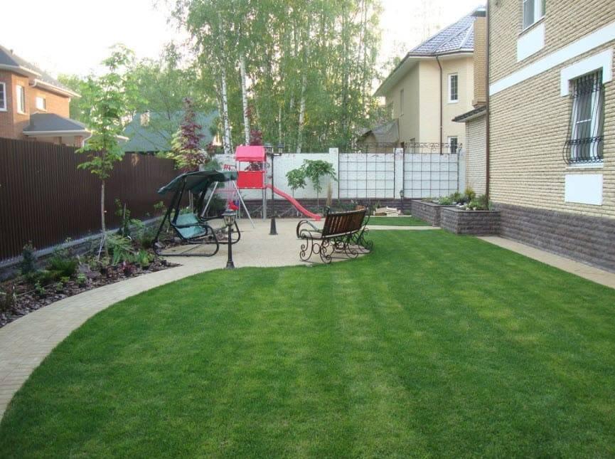 Дизайн двора частного дома | красивые идеи (+ 65 фото) !!!
