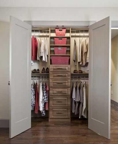 Как выбрать двери для гардеробной - тип конструкции, материал