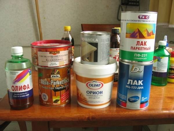 Лак на водной основе: бесцветная продукция для стен, самогрунтующийся лак для внутренних работ, составы брендов «лакра» и v33