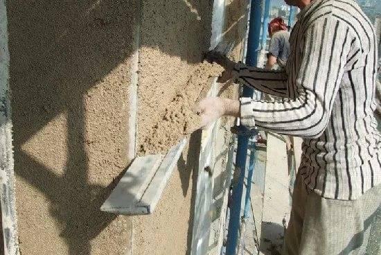 Цементная штукатурка: как правильно штукатурить цементно-песчаным раствором своими руками при внутренних и наружных работах, а также состав, расход и характеристики смеси + видео