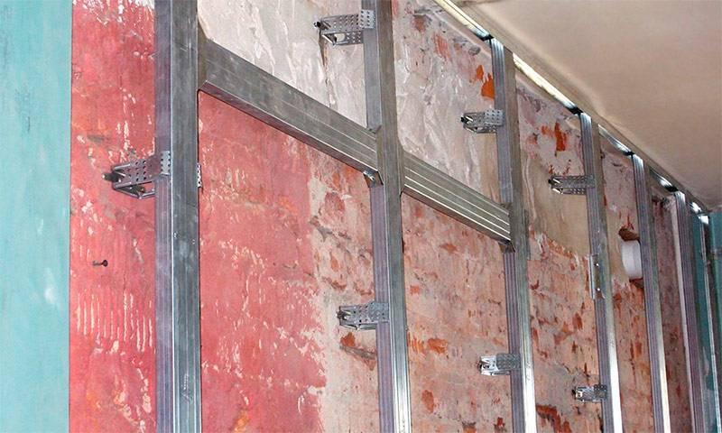 Гипсокартон или штукатурка: что лучше для черновой отделки стен