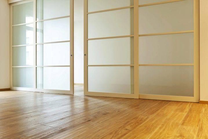 Основные типы механизмов раздвижных дверей, конструкция и особенности раздвижных дверей