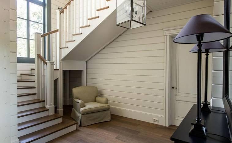 Как оформить интерьер прихожей в частном доме?