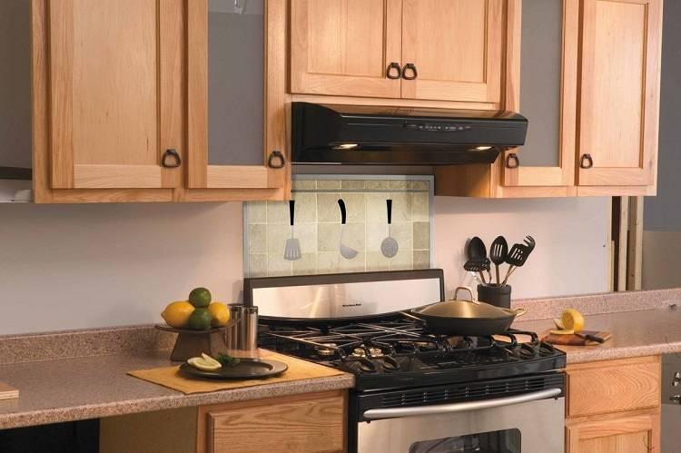 Как спрятать гофру от вытяжки на кухне: способы скрыть воздуховод