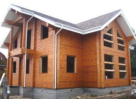 Усадка дома из профилированного бруса естественной влажности - особенности, срок и проблемы