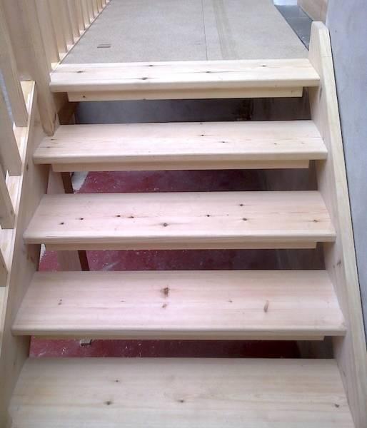 Лестница деревянная для бани: как изготовить