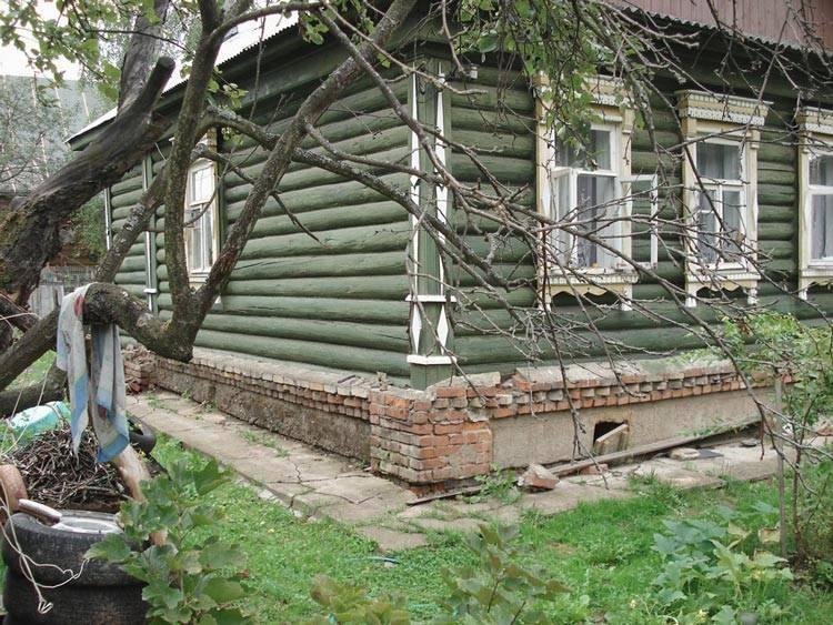 Как произвести замену фундамента под деревянным домом