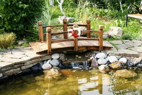 Красиво и романтично: 57 фото-идей обустройства декоративных мостиков для сада своими руками