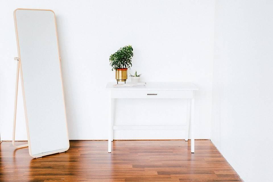 Чем легко убрать царапины и сколы на мебели в домашних условиях