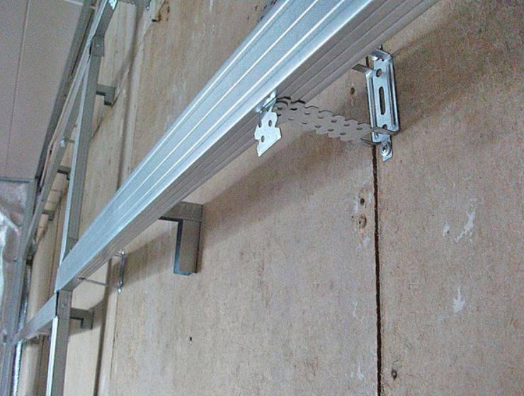 Как крепить к стене панели пвх?
