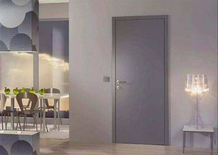 Как правильно использовать двери серого цвета в интерьере квартиры