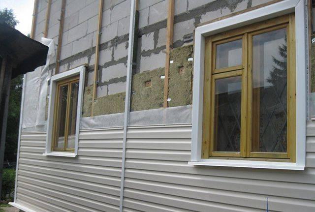 Какой сайдинг лучше – виниловый или акриловый? – кровля крыши для дома