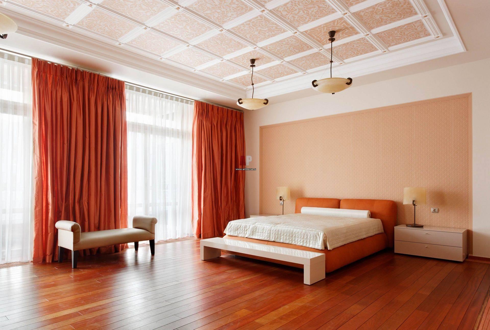 Как выбрать гибкий потолочный плинтус – виды, различия, преимущества, правила крепления на потолок