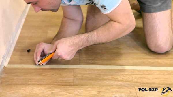 Как склеить линолеум - горячая/холодная сварка, инструкции!