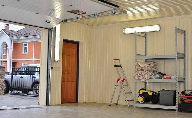 Отделка гаража внутри: фото внутренней облицовки, а также, как отделать стены, потолок, пол изнутри гаража