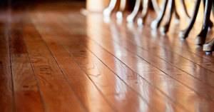 Как выровнять старый деревянный пол в квартире и частном доме?