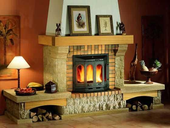 Камины для обогрева дома, выбираем оптимальный вариант исполнения