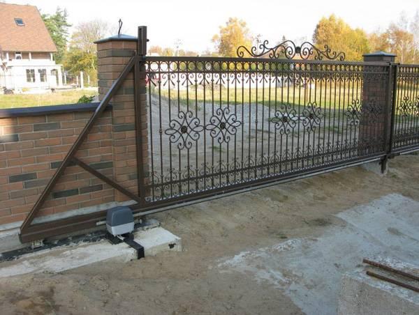 Откатные ворота на винтовых сваях - фундамент своими руками