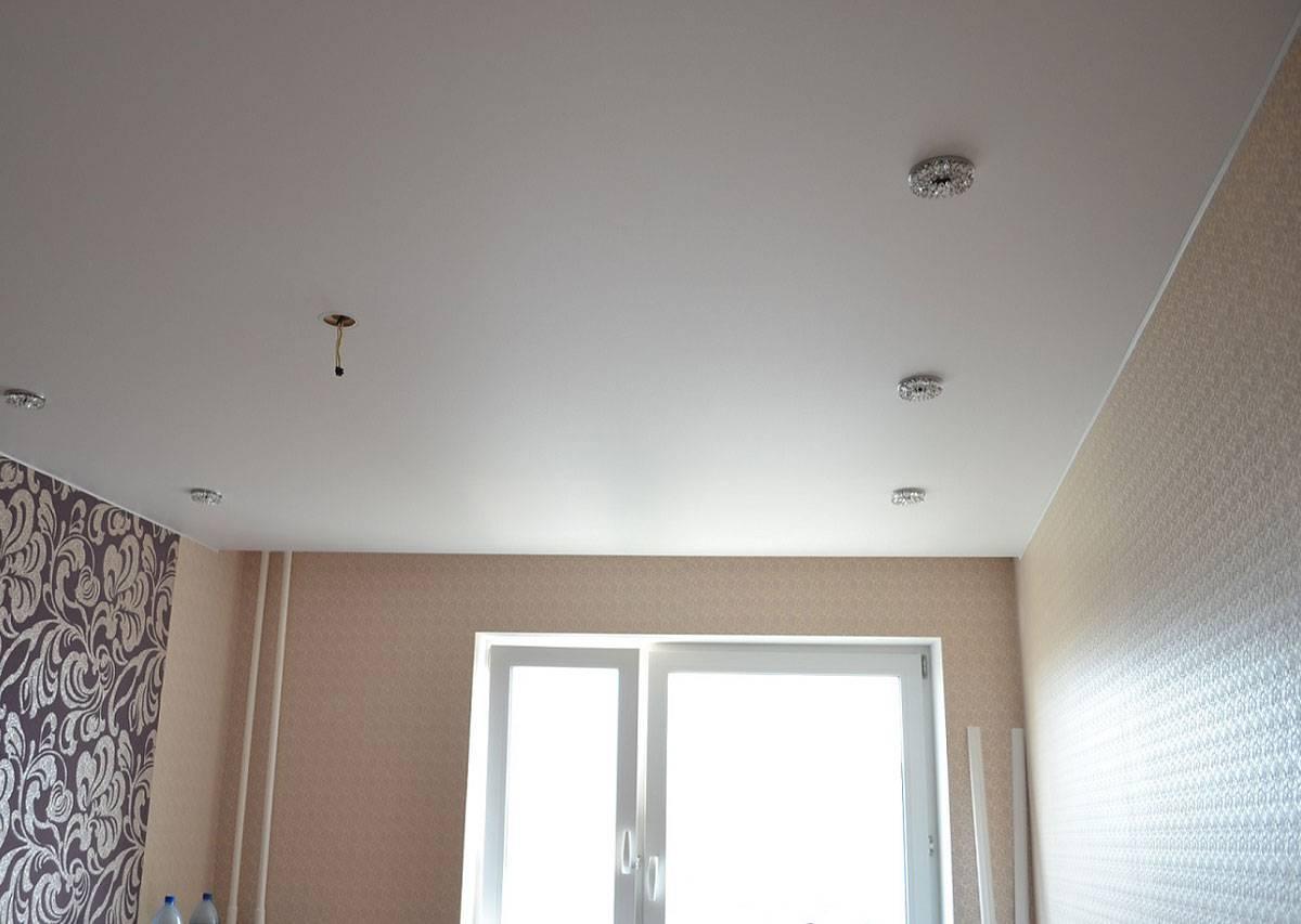 Тканевые натяжные потолки: виды и особенности