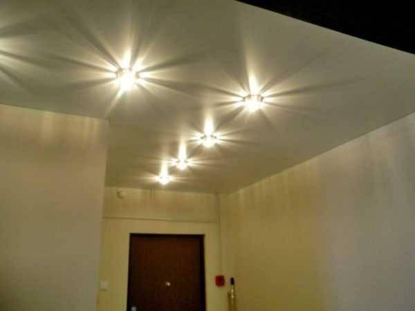 Бра: настенные светильники винтерьере