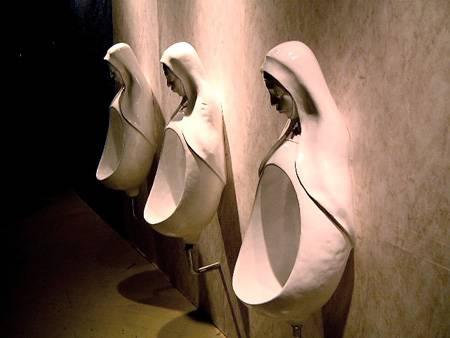 Японские туалеты, в которых никогда не закончится бумага