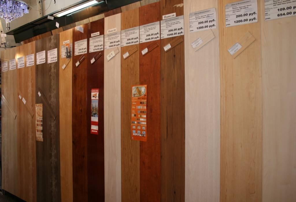 Преимущества, недостатки и варианты исполнения потолка из пластиковых панелей