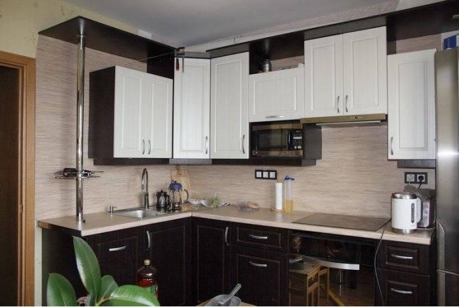 Как спрятать трубу от вытяжки на кухне красиво?