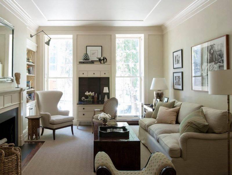 Шторы в зал на два окна (74 фото): идеи для дизайна угловых штор в гостиной, выбираем занавески на 2 окна с простенком и красивые шторы для двух окон на одной стене