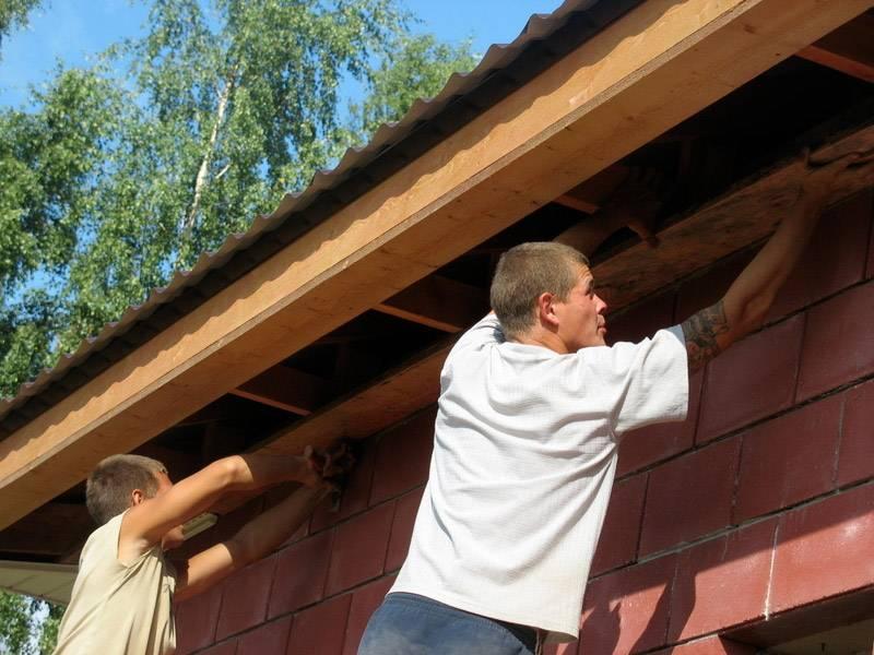 Подшивка карнизов крыши - устройство и материалы