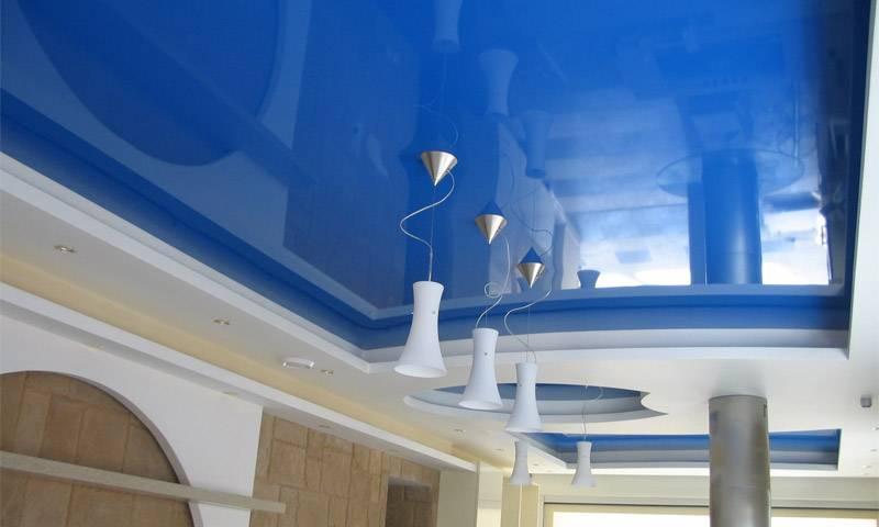 Натяжные потолки пвх или тканевые: что лучше выбрать, чем отличаются, плюсы и минусы?