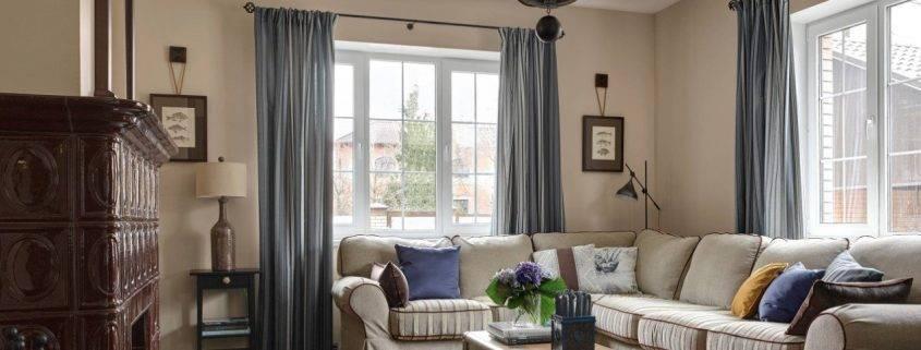 Коричневые шторы в интерьере гостиной: фото идей шоколадных занавесок