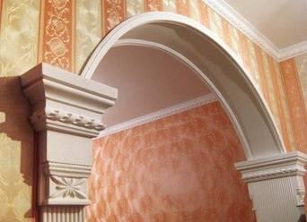 Стены из гипсокартона - дизайн 3d в зале с подсветкой или без, красивые полукруглые формы над окном или дверным проемом, варианты декорирования