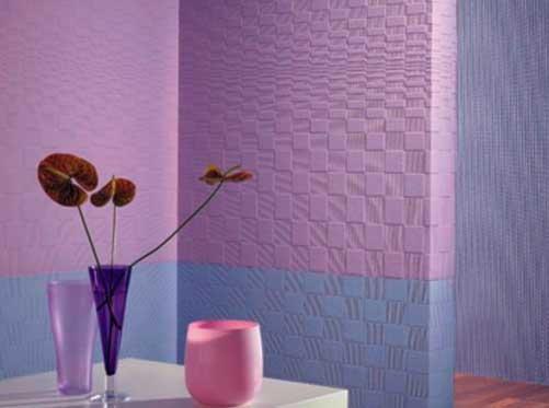 Простой способ создания красочной и яркой обстановки в доме: как красить обои под покраску без профессиональной помощи