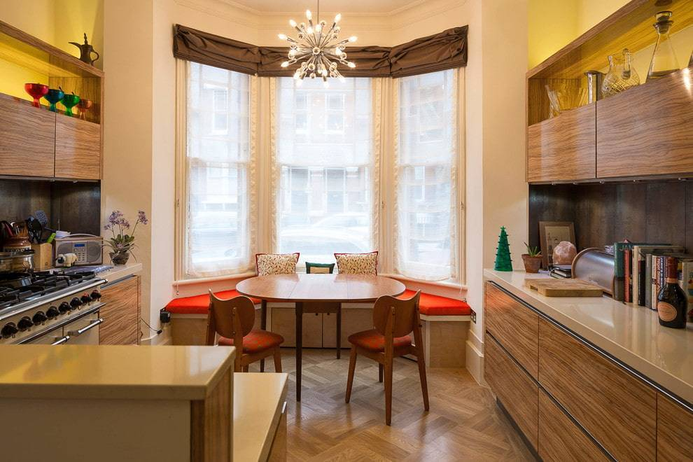 Как спланировать и благоустроить кухню с эркером?