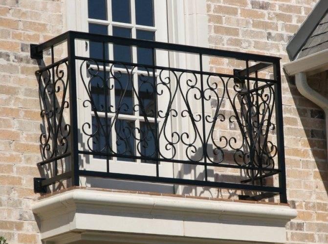 Французские балконы: что это, особенности и типы конструкций, современный вид, фото удачных вариантов