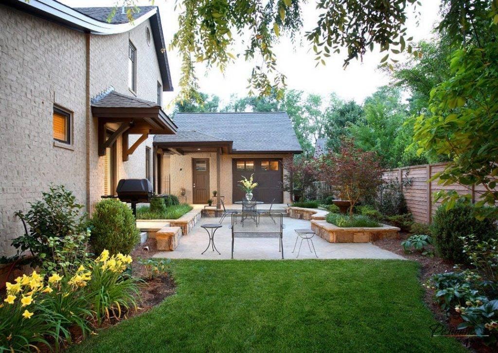 Красивый небольшой дворик частного дома: декор ландшафта и фото готовых решений