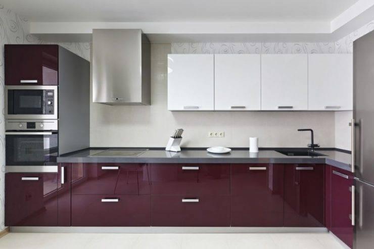 Бордовая кухня (59 фото): выбираем кухонный гарнитур бело-, серо- или черно-бордового цвета, дизайн мебели цвета бордо и сочетание в интерьере в бежевых тонах
