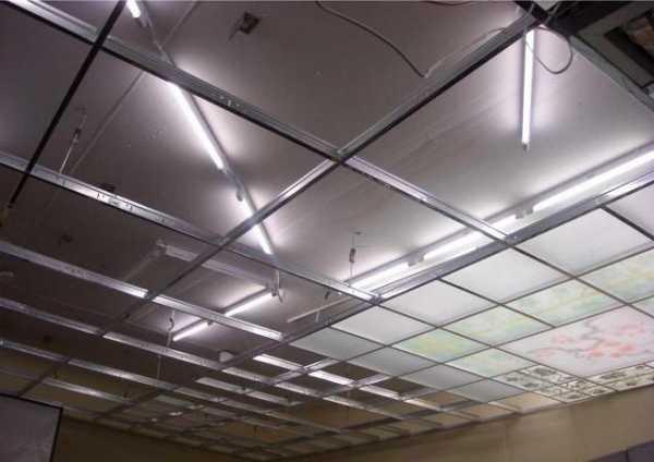 Потолок из оргстекла с подсветкой: виды, различия