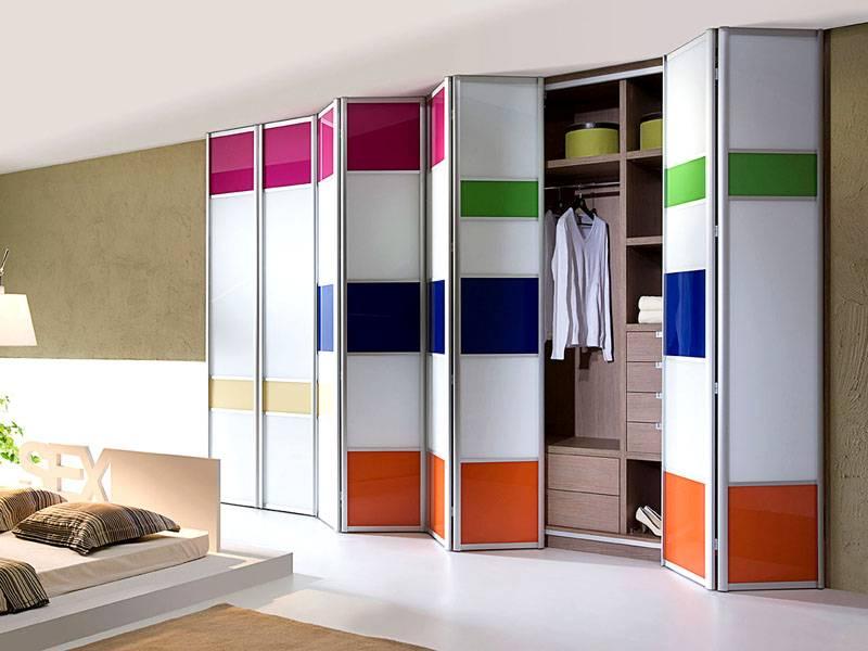 Критерии выбора дверей для гардеробных, разнообразие их дизайна