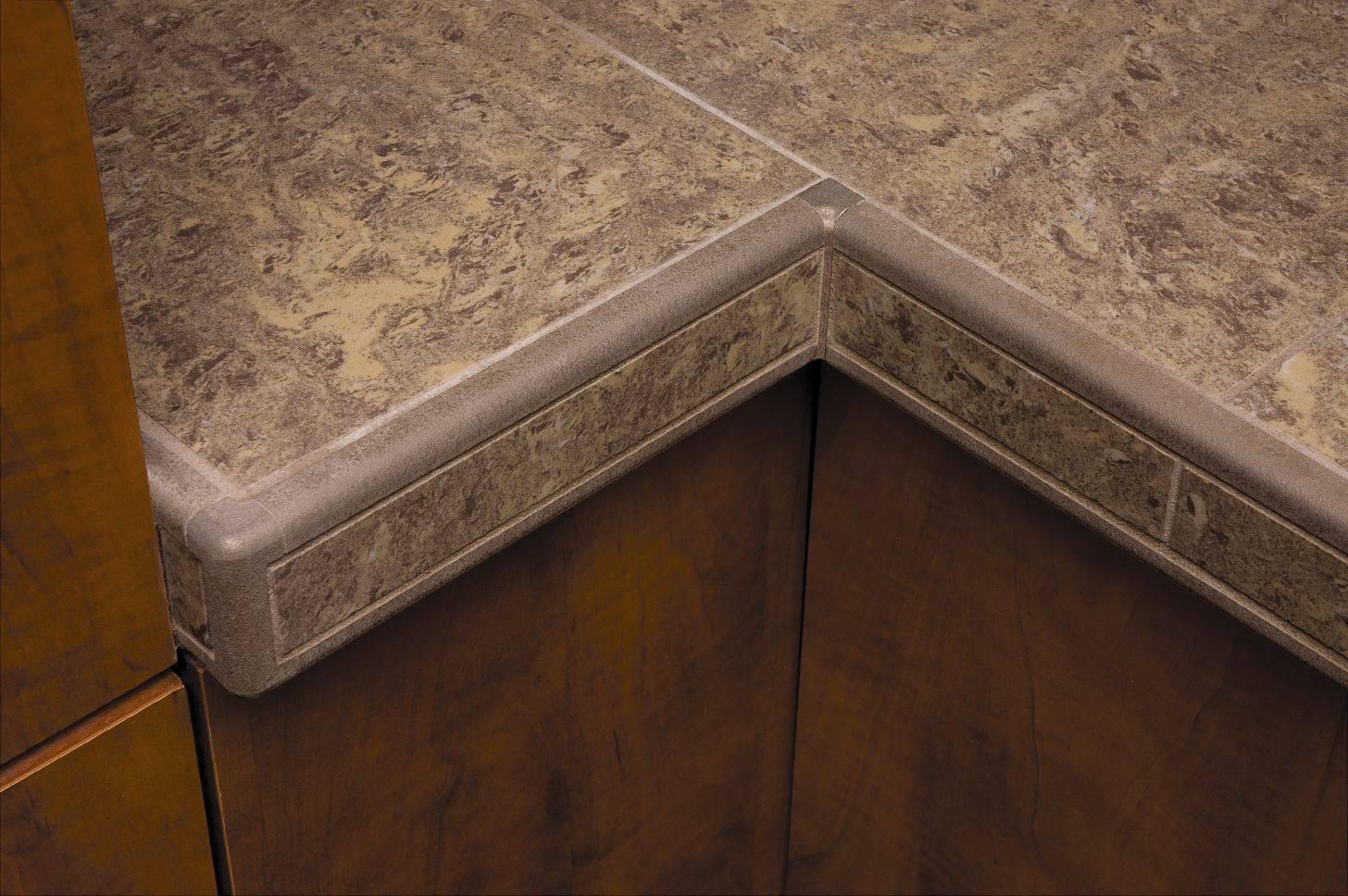Алюминиевые и пластиковые уголки для керамической плитки, варианты и правила монтажа