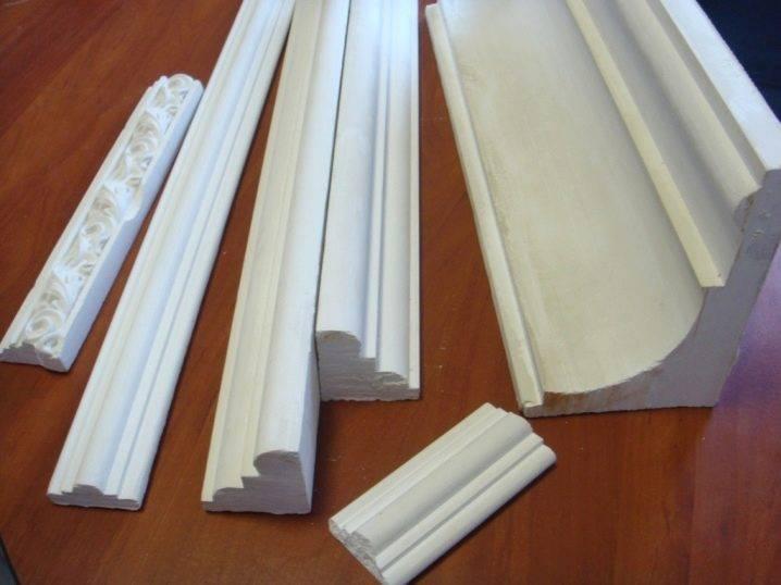 Гибкий плинтус для натяжного потолка - преимущества и недостатки