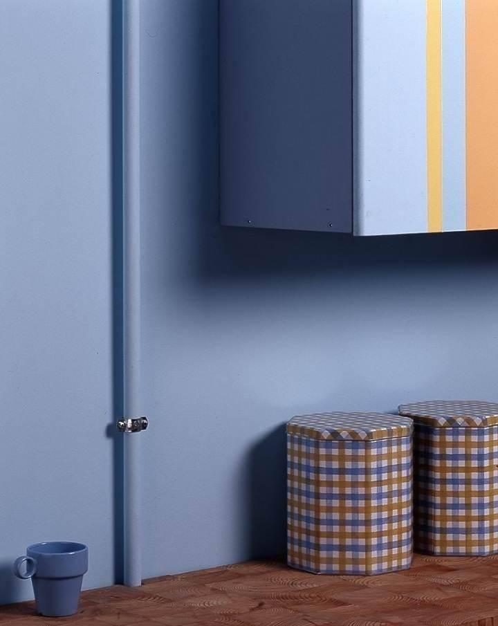 Как задекорировать или спрятать газовую трубу на кухне
