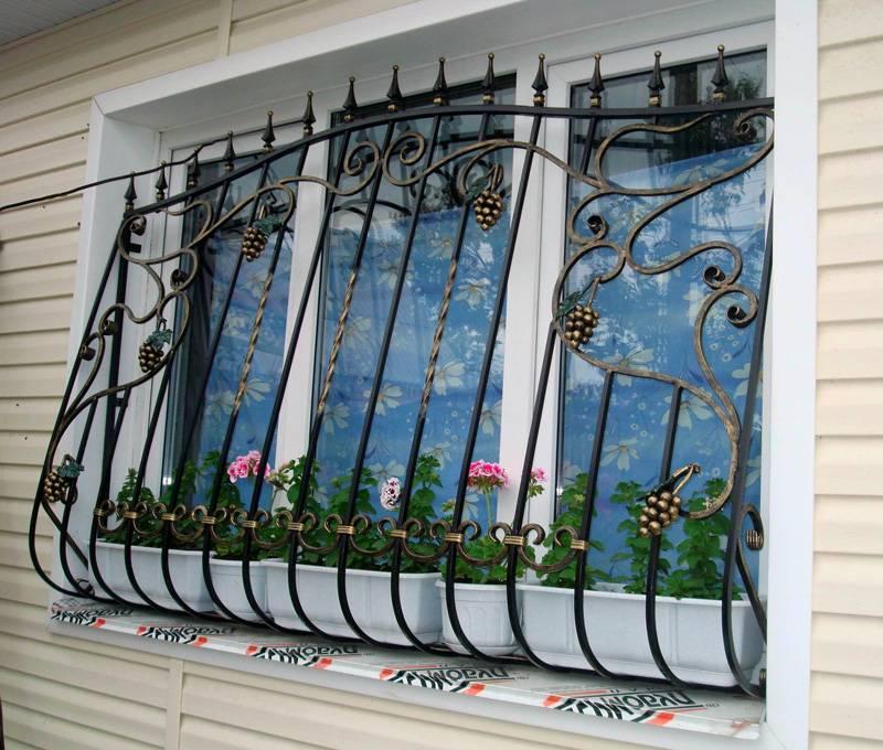 Установка решеток на окна: варианты конструкций и схема установки